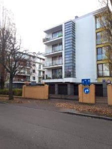 Apartament Słoneczko- obiekt ogrodzony, brama, każdy gość otrzymuje pilota.