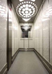Można też skorzystać z windy ...